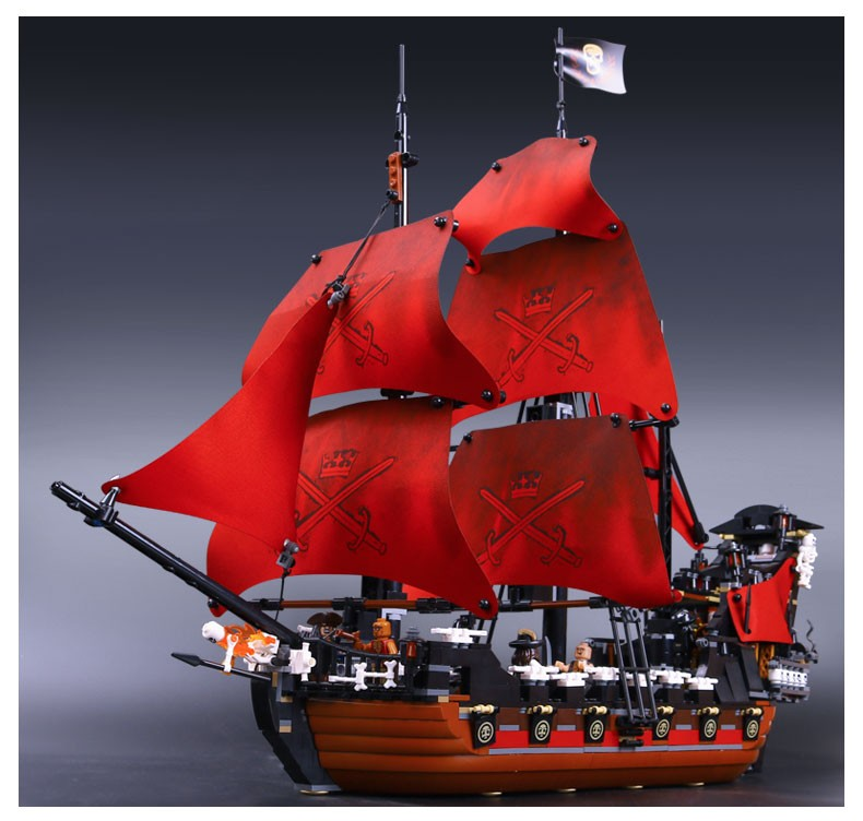 In stock Lepin 16009 1151pcs Queen Anne\'s revenge Pirates of the Caribbean Building Blocks Set Bricks Compatible 4195 dhl lepin 22001 imperial warships 16009 queen anne s revenge model building blocks for children pirates toys clone 10210 4195