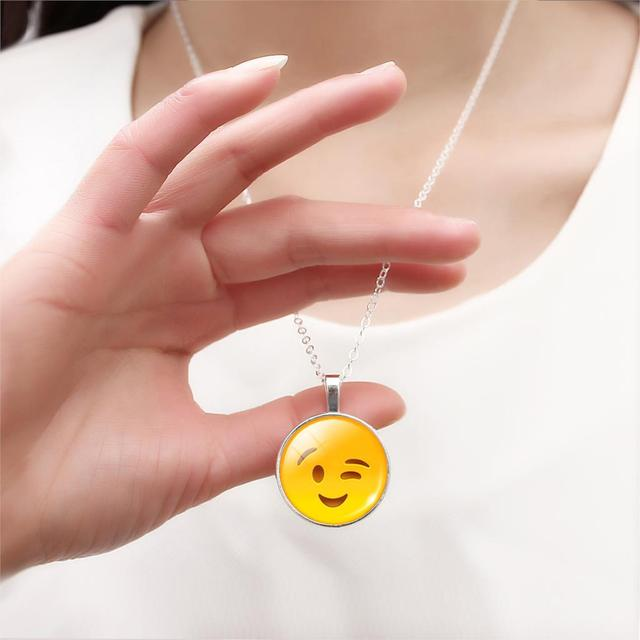 LIEBE ENGEL 2017 Women Emoji Stud Earrings & Moon Pendant Choker Necklace & Charm Cuff Bracelet Bangle Emoji Jewelry Sets Glass