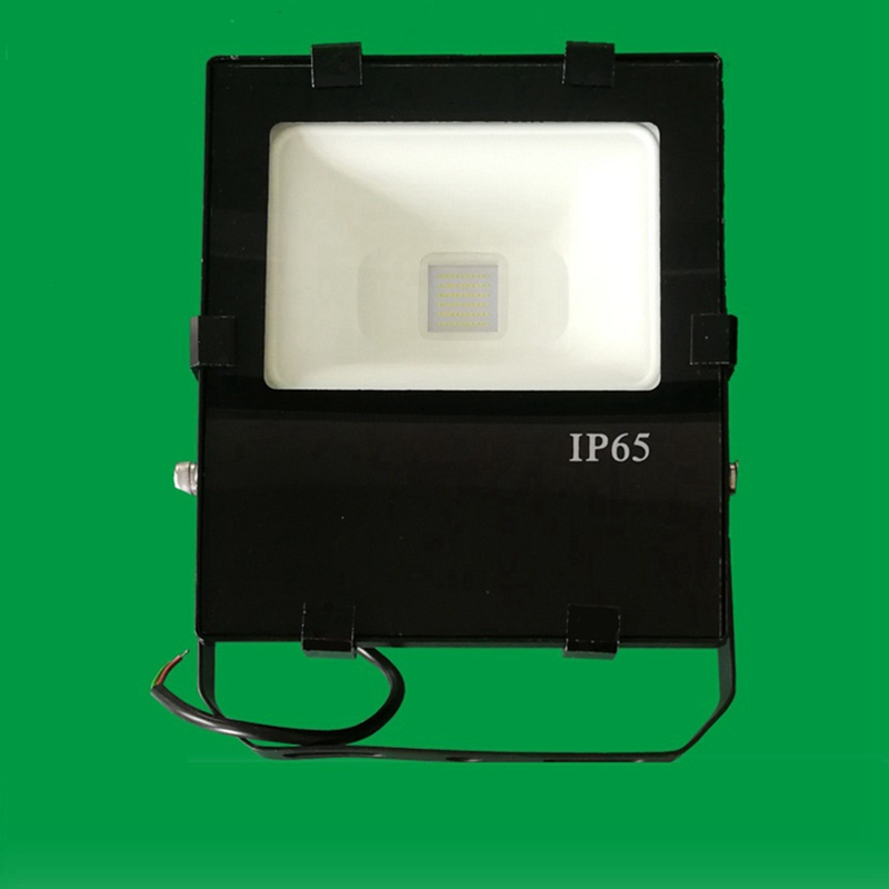 LukLoy Waterproof Outdoor Flood Light Die cast Aluminum and Tempered Glass Spotlight for Square/Court/Tunnel/Billboard Lighting