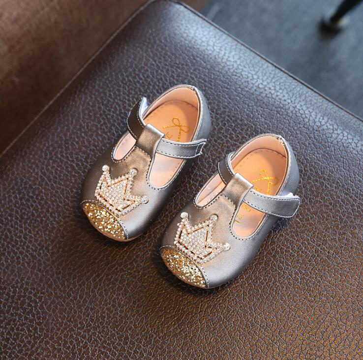 2018 autumn children s small leather shoes rhinestone crown baby princess  shoes 0 1 2 years old girls single shoes kids sneakers-in Leather Shoes  from ... 29edd8c84180