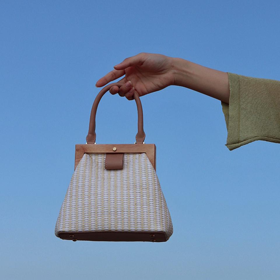 Oswego Straw Bag 2019 New Fashion Wooden Clip Women Shoulder Bag Summer Travel Beach Bag Luxury Handbags Women Bags Designer 15