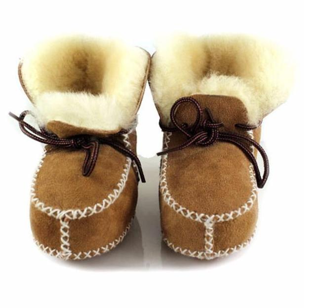 HONGTEYA Winter Plush Baby Shoes Boots Genuine Leather Infants Warm Shoes  Fur Wool Girls Boys Baby Booties Sheepskin Baby Boots e5b9f52e6ae4