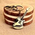2016 de Aleación de Zinc Plateado Bronce de la Guitarra Llavero Moda Llavero de Metal Recuerdo Regalo Creativo Llavero Trinket llavero PWK0462