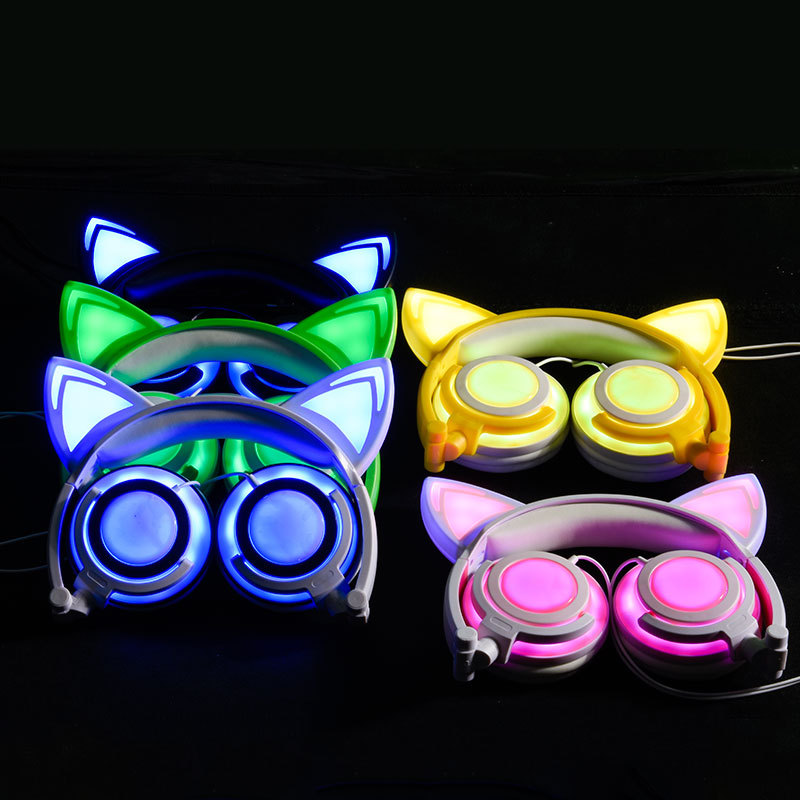 Cat Ear Flashing Headphone Foldable Wired GlowingCosplay Stereo Earphone Headset For Smart Phone PC GIF