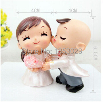 Free Shipping Yes to the Rose Bride and Groom Couple Figurine Wedding Cake Toppers