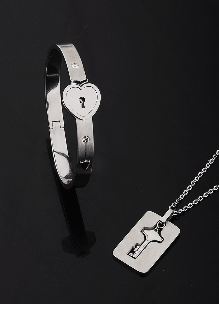 Heart Bracelet With Key 2