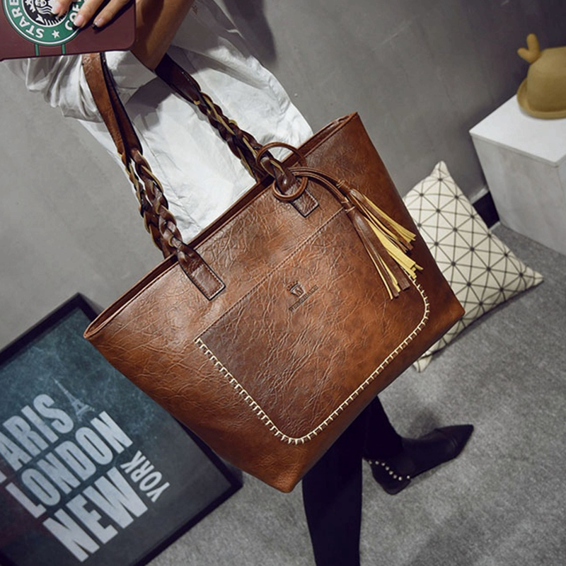 2017 Large Capacity Women Bags Shoulder <font><b>Tote</b></font> Bags bolsos New Women Messenger Bags With Tassel Famous Designers Leather Handbags