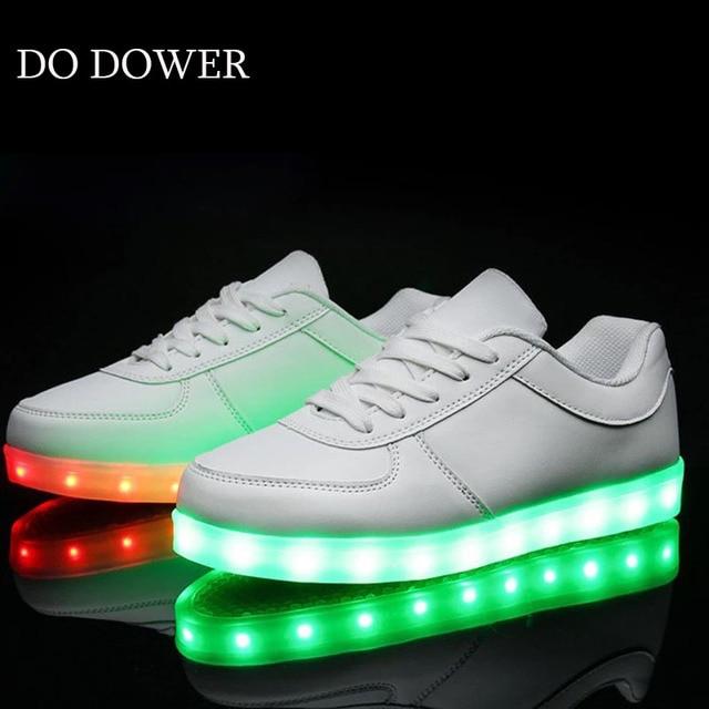 buy popular 25f03 e66c9 US $14.48 |Glowing Turnschuhe Kinder kinder Led Schuhe Mit leuchten LED  Jungen mädchen schuhe Leucht turnschuhe * & tenis feminino in Glowing ...