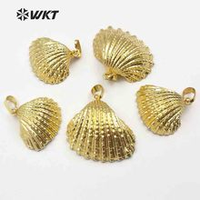 все цены на WT- JP018 Fashion 24k gold dipped Scallop pendant for necklace Natural shell scallop in 24k real gold electroplated gold pendant онлайн