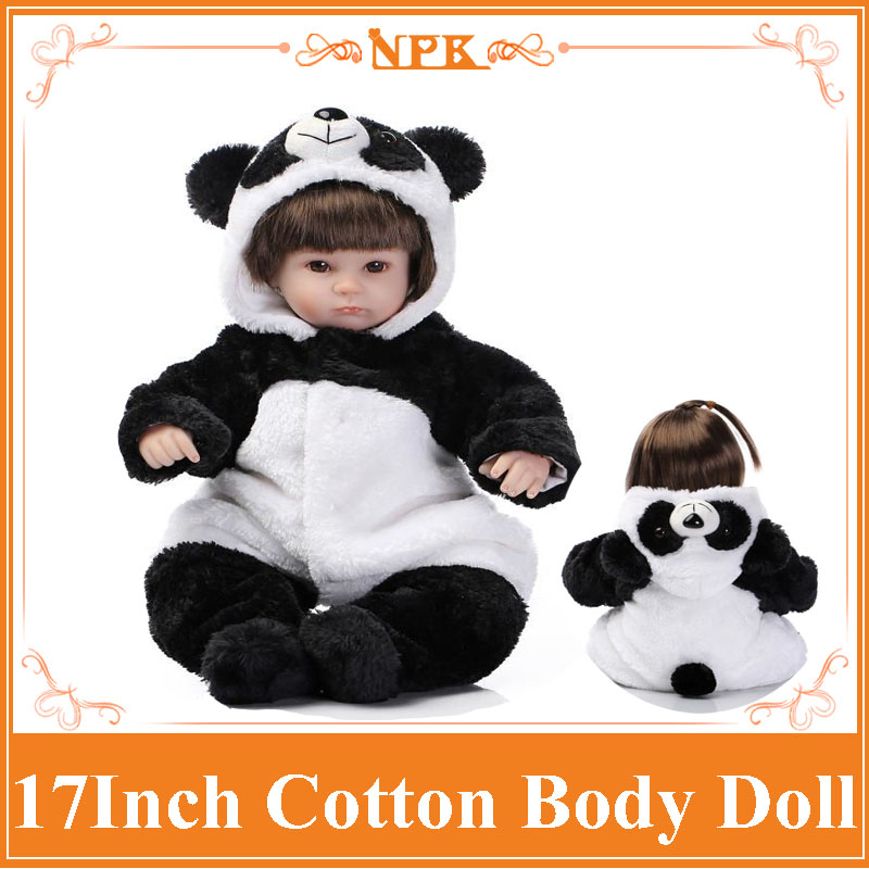 топ dressed in green топ NPK Dressed In Panda Style Cute Clothes 42cm Bonecas De Silicone With Free Magnetic Pacifier Lifelike Silicone Reborn Baby Doll