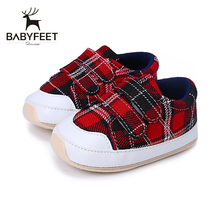 Babyfeet 2017 New Breathable Plaid First Walkers Anti-slip Rubber Red Shoes Soft Bottom Convenient Hook&Loop for Girl Boy Baby