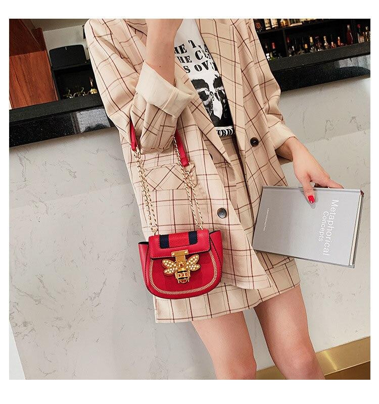 Imitation Designer Bags Fashion Bee Shoulder handbag for women Luxury Round PU Cross body Chain Bag Pearl Metal Lock Women's Bag (15)