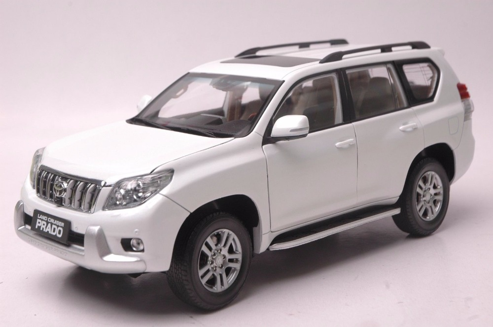 1:18 Diecast Model for Toyota Land Cruiser Prado 2010 Pure White SUV Alloy Toy Car Miniature Collection Gifts hot green 2010 1 18 new toyota land cruiser prado diecast model cars classic jeep suv classic