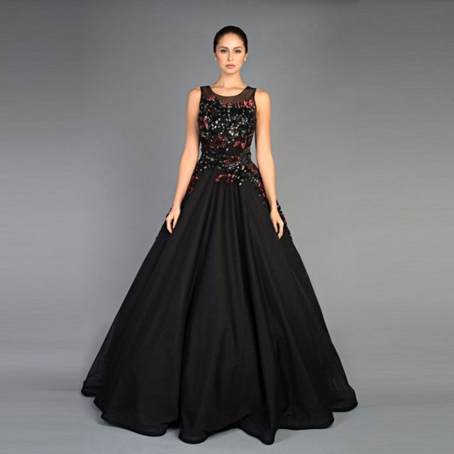 a02a53719 Negro vestido de bola de graduación vestidos de escote redondo sin mangas  con apliques palabra de
