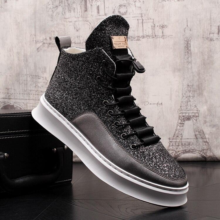 2019 nouveau haut bottillons à semelle épaisse plate-forme noire pleine fleur en cuir semelle mâle Brogue chaussures paillettes hommes bottes accrues