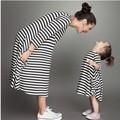 2016 Новая Коллекция Весна Мама И Дочь Платье Семья Соответствующие Наряды Одежда Черный Белый Полосатый Хлопок Марка Суперзвезда Вид