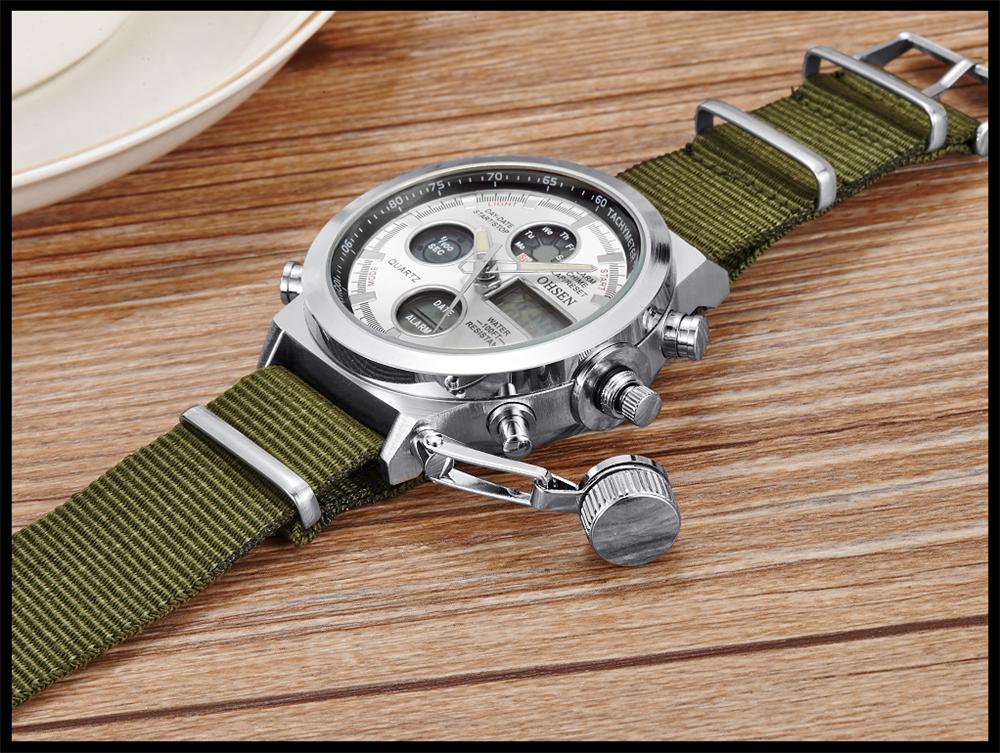 С эксклюзивной коллекцией военные часы покупатели узнают все об элементах конструкции, истории создания и использования наручных часов военнослужащих армии, флота и авиации, начиная с ых годов и до середины х годов.