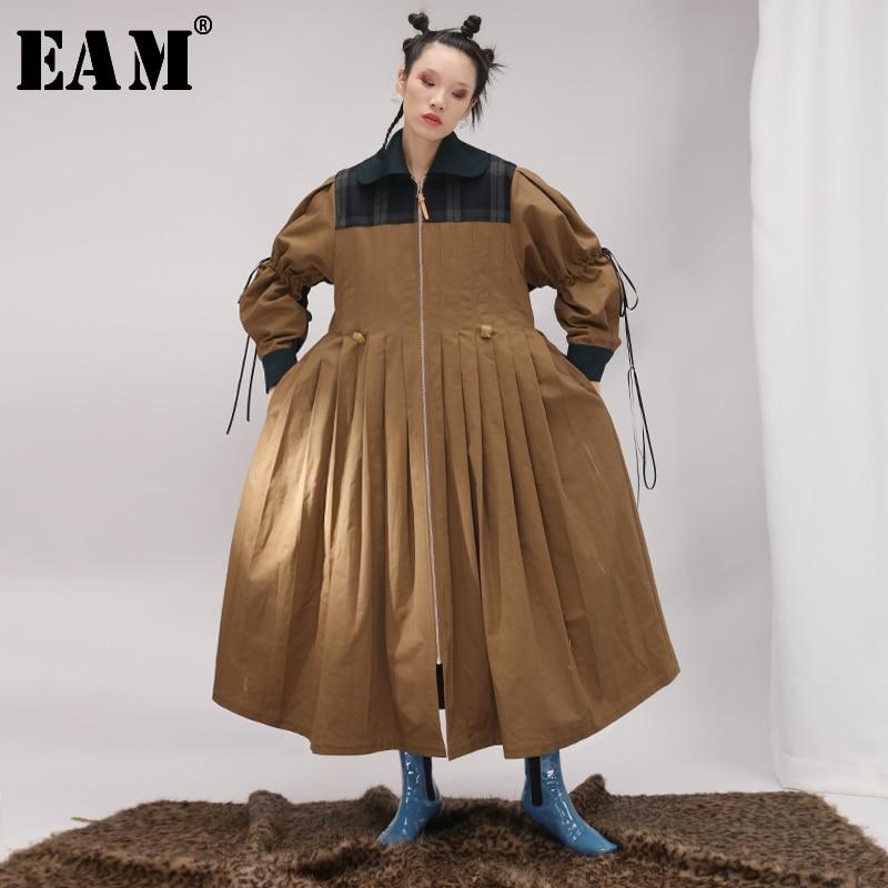 [EAM] 2020 New Spring Lapel Long Sleeve Camel Plaid Printed Loose Pleaed Stitch Big Size Coat Women Trench Fashion JK067