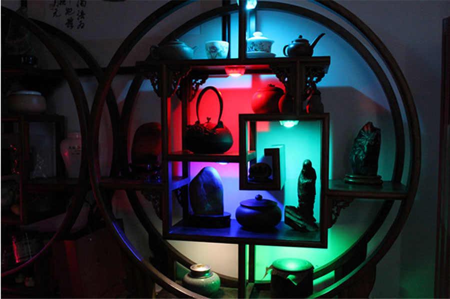 13 colores RGBW LED luz nocturna inalámbrico control remoto Sensor táctil bajo luces de armario luces LED Puck para pared de cocina lámpara