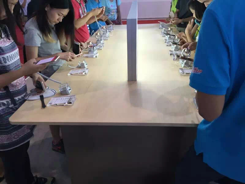 (20 pcs/pack) 2017 new model transparent acrylic charger burglar alarm display base for Huawei smartphone