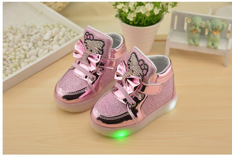 детские кроссовки светящие фото