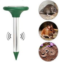 2 Pcs Solar Powered Mole Repellent Stakes Ultrasonic Rodent Repeller