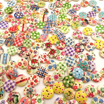 100pcsset Wooden Buttons Round Sewing Button for Needlework DIY Clothes Clothing Mixed Printing Decorative Buttons 2 Holes button