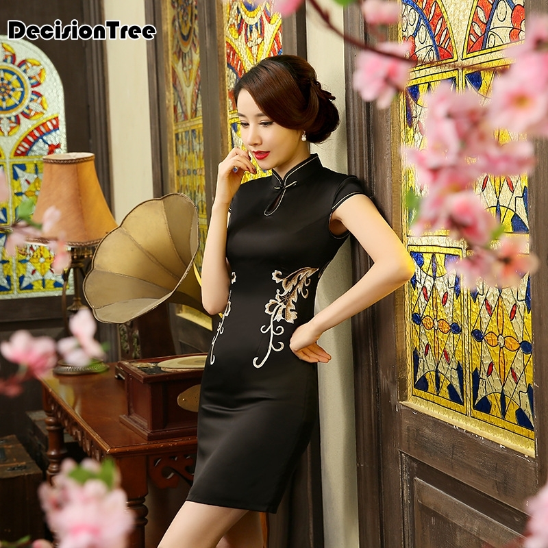 2019 Hot Chinese Black Women Traditional Dress Silk Satin Qipao Top Mini Cheongsam Lace Short sleeve qipao dresses in Cheongsams from Novelty Special Use