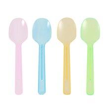 100 шт одноразовые мини пластиковые ложки для торта ложки для мороженого четыре цвета десертные ложки(как показано на рисунке