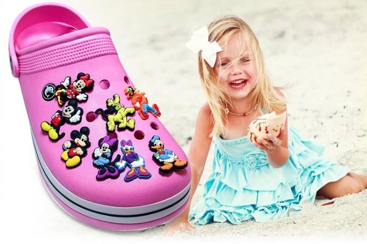 Single Sale 1pc Mickey PVC Shoe Charms Shoe accessories Shoe decoration Shoe Buckles Accessories Fit Band Bracelets Croc JIBZ