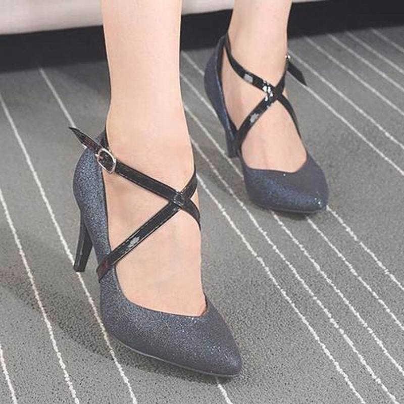 Charm ผู้หญิงการออกแบบรองเท้าหนังเข็มขัดข้อเท้ารองเท้า Tie เลดี้สายคล้องคอสำหรับ Holding หลวมรองเท้าส้นสูง