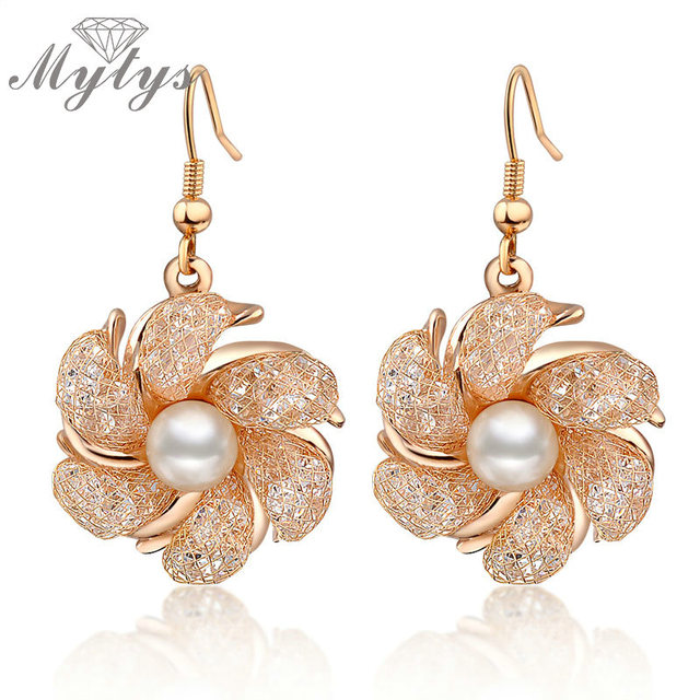 Mytys Flower Mesh Earrings Wire Gold Net Crystal Drop Pearl Stamen Pistil Ce149