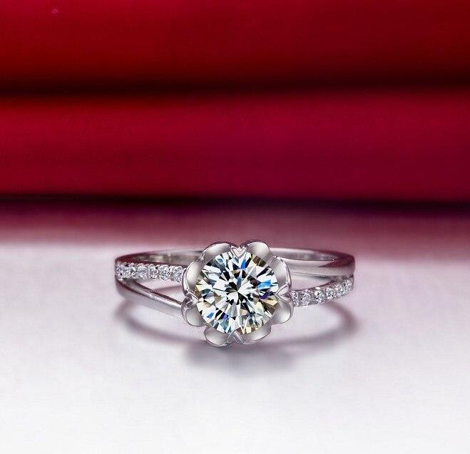 Vintage 0 5 Carat Beauty Flower Shape Sona Synthetic Diamonds e16392ac74fc
