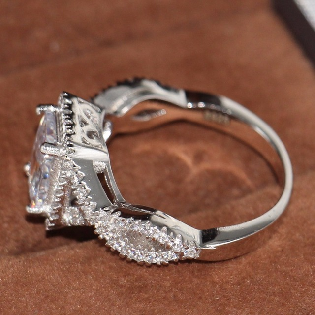 Женское кольцо с фианитом из серебра 925 пробы 5 10 размеров