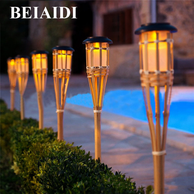 Beiaidi 10pcs Solar Spike Spotlight Lamps Handmade Bamboo Tiki Torches Light Outdoor Garden Landscape Lawn