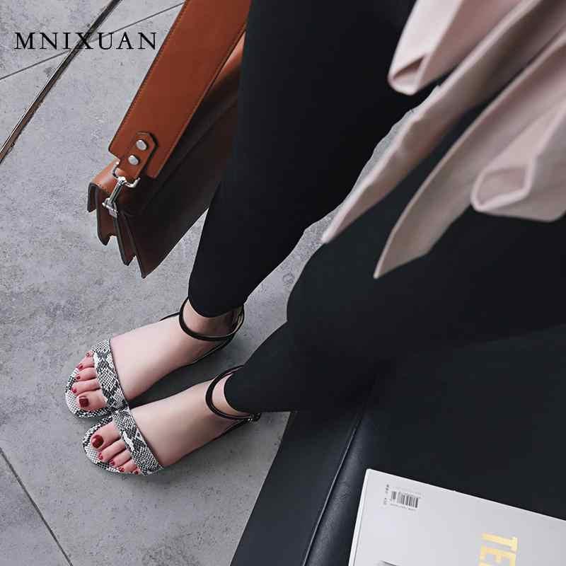 MNIXUAN จริงหนังรองเท้าผู้หญิงเลดี้ Casual แฟชั่นงูรองเท้าแตะเปิดนิ้วเท้าผู้หญิง 2019 ฤดูร้อนใหม่ขนาดใหญ่ 41 42 สีดำ