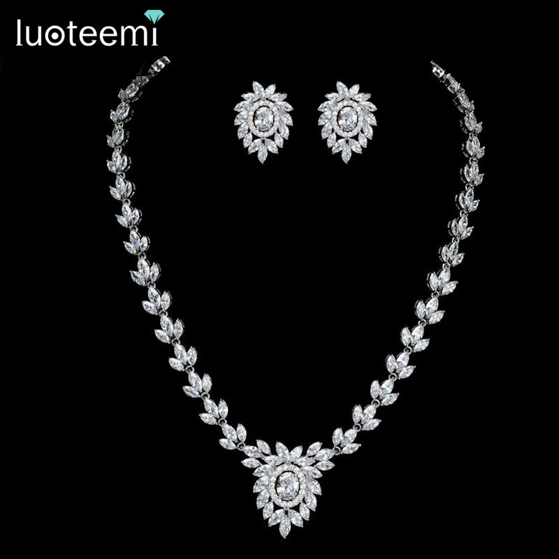 LUOTEEMI New Noble Jewelry White Gold-Color Clear CZ Leaf and Flower Pendant Necklace for Women Bridal Wedding Accessories Gift a suit of noble rhinestone leaf necklace and earrings for women