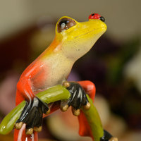 2pcs Lot Home Design Creative European Gift Resin Frog Interesting Novelty Wedding Gifts Couple Figurine Creative