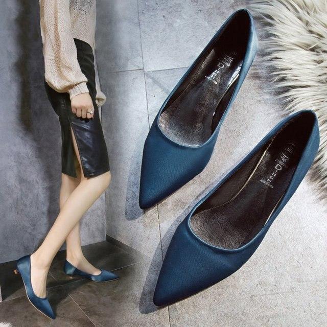 2018 nuova versione Coreana di a punta degli alti talloni della bocca poco profonda con 3 cm selvaggio professionale scarpe da lavoro di modo selvaggio di alta tacchi