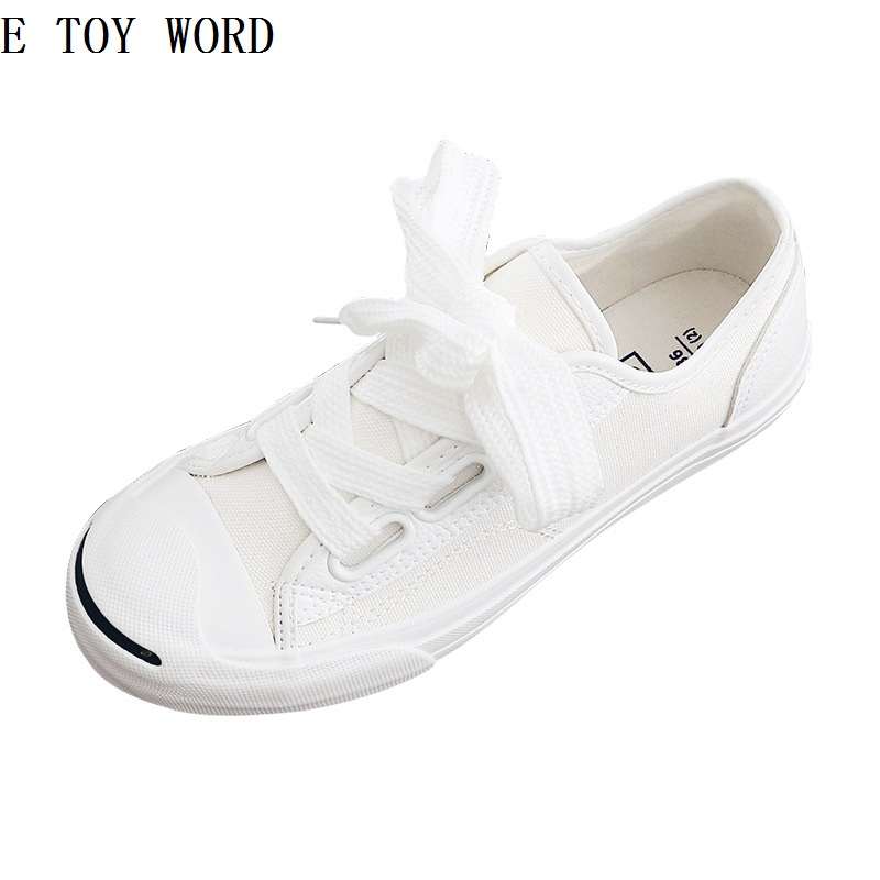 In the spring of 2018 han edition of the new sister lady pink sweet and lovely small white flat canvas shoes fashion students 2017 of the latest fashion have a lovely the hat of the ear lovely naughty lady s hat women s warm and beautiful style