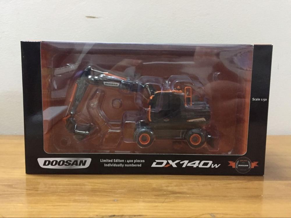 Rare!!! Doosan Universal Hobbies Bobcat DX140W Wheeled Excavator 1/50 Scale Limited Editon UH8137Rare!!! Doosan Universal Hobbies Bobcat DX140W Wheeled Excavator 1/50 Scale Limited Editon UH8137