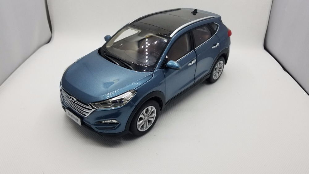 1:18 Diecast Model for Hyundai Tucson 2016 Blue SUV Alloy Toy Car Miniature Collection Gifts IX 4pcs set smoke sun rain visor vent window deflector shield guard shade for hyundai tucson 2016
