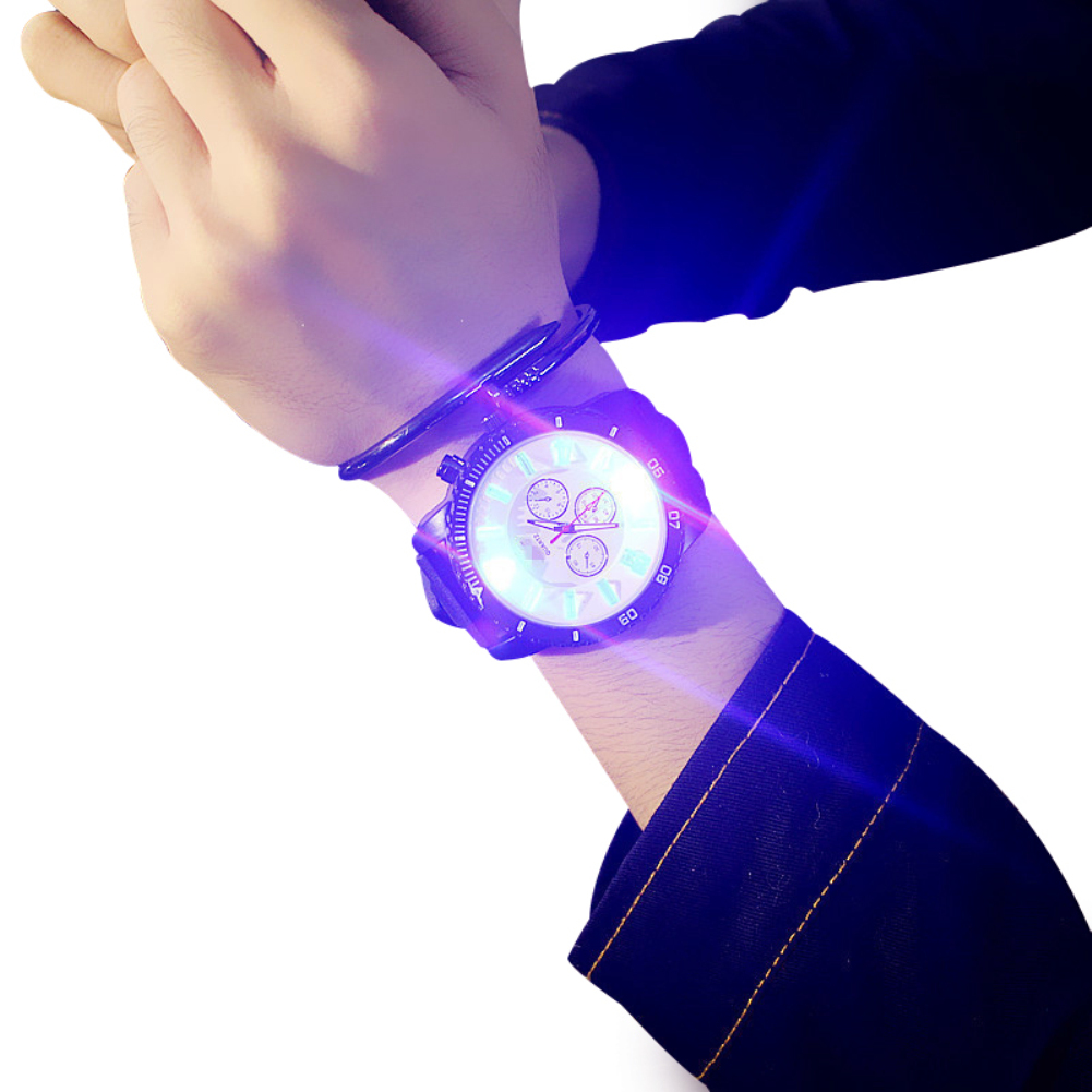 Lover's Watches Led Flash Luminous Kids Watches Students Lovers Jellies Woman Mens Sport Watches 7 Color Light Wristwatch Fashion Teen