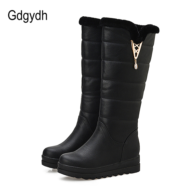 Gdgydh Fashion Fur Snow Boots Women Flat Winter Shoes Sexy Crystal Plush Inside Warm Ladies Outerwear Shoes Russian Plus Size 43