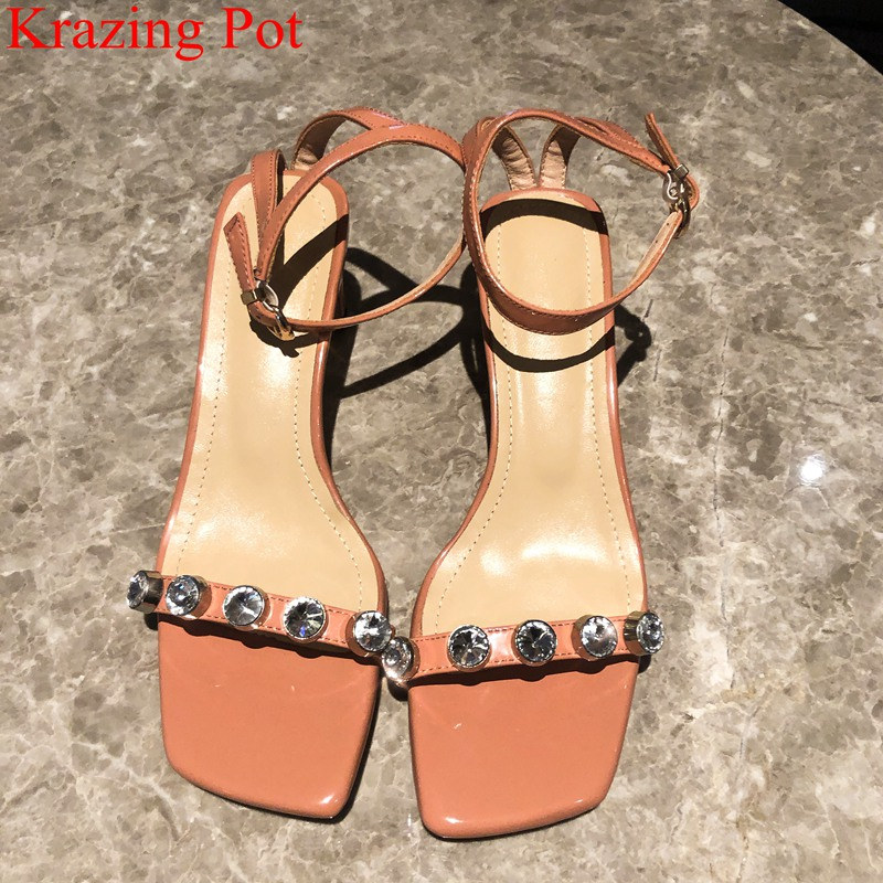 2019 brand bling patent leather rhinestone peep toe buckle straps high heels women sandals gladiator sexy lady summer shoes L5f12019 brand bling patent leather rhinestone peep toe buckle straps high heels women sandals gladiator sexy lady summer shoes L5f1