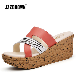 Image 4 - Sandales à plateforme en cuir véritable pour femmes, tongs, chaussures de plage pour dames, sandales à talons hauts dété, gladiateur, collection décontracté
