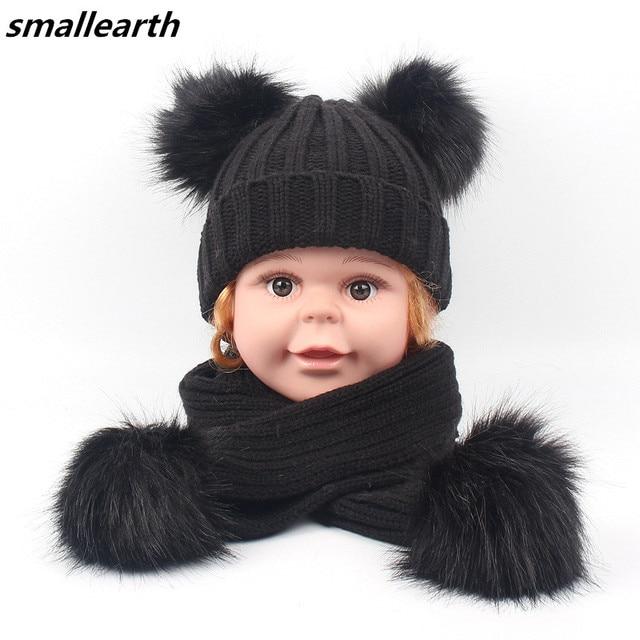 4ec4b208880 Enfants écharpe et chapeau ensembles hiver garçons fille Double fausse  fourrure pompon Cap écharpe ensemble bébé