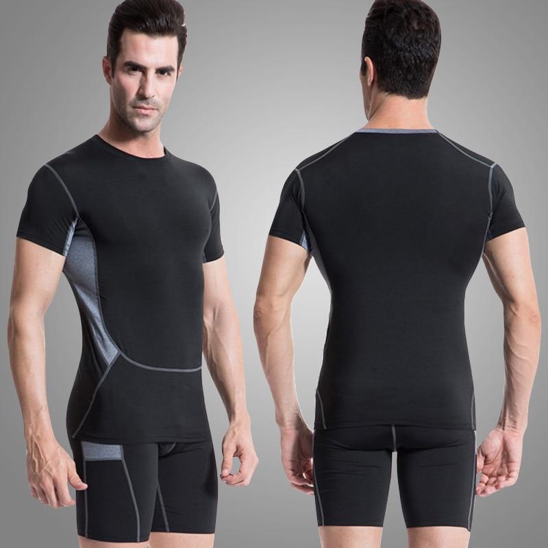 2018 Nouveau Hommes Gym Fitness Sport Costume De Course Sport T Shirt  Shorts Vêtements Formation de Remise En Forme Sweat Noir Sport Costumes 3073b5b19f4
