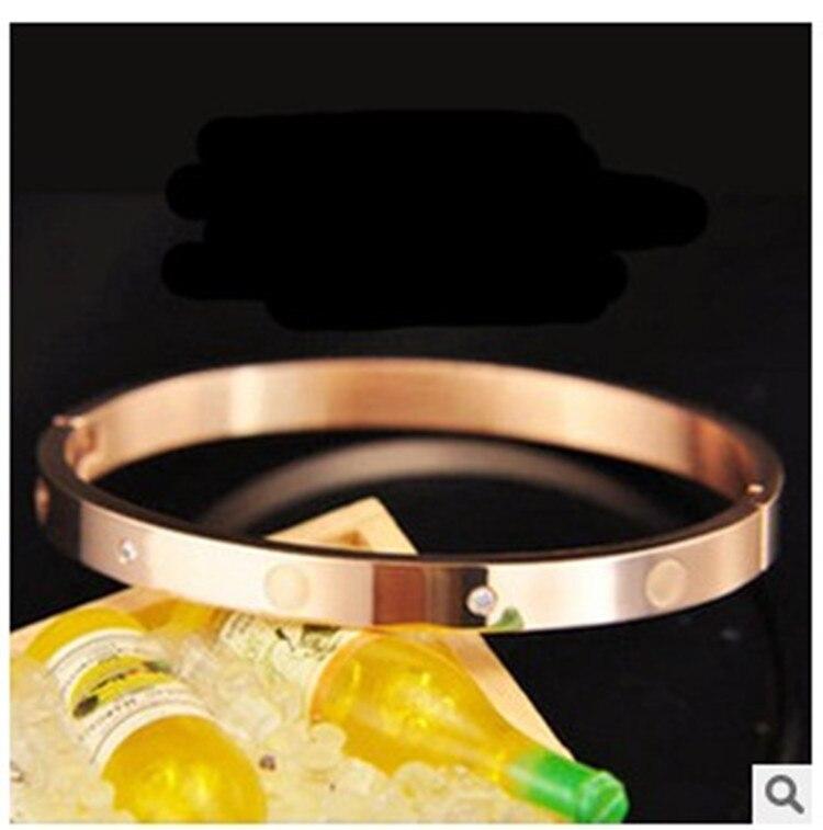 a4f87757e844 Moda mujer chapado en oro rosa delicado y elegante grandes pulseras moda  señoras alto diseño regalo de la joyería del brazalete