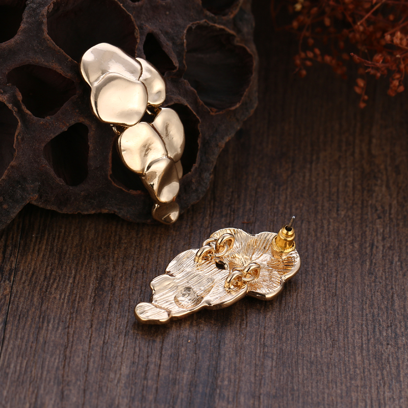 Golden Grape Stud Earrings 2